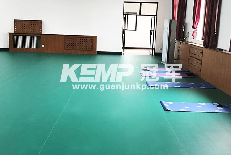 羽毛球塑胶地板