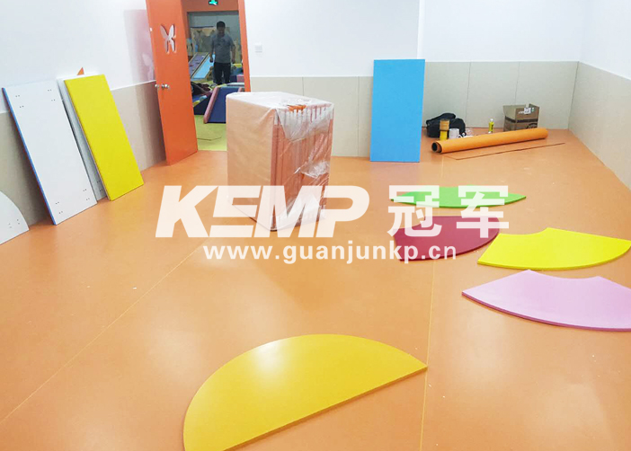 室内幼教地板