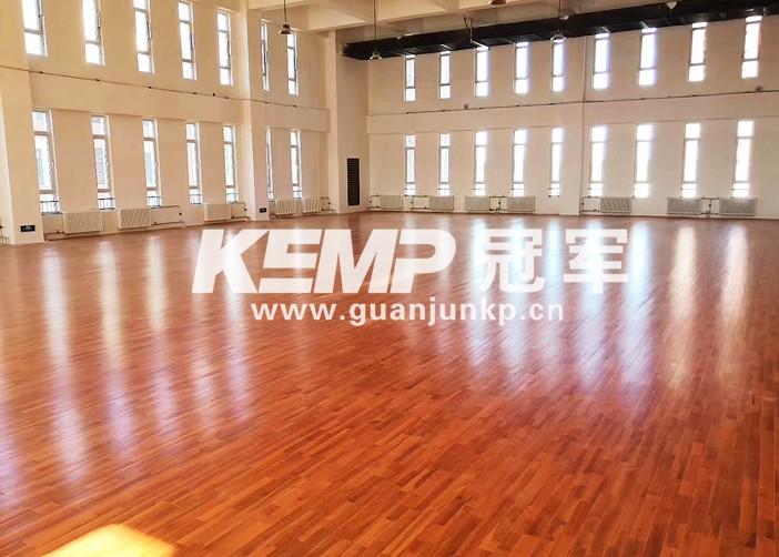 篮球场实木地板
