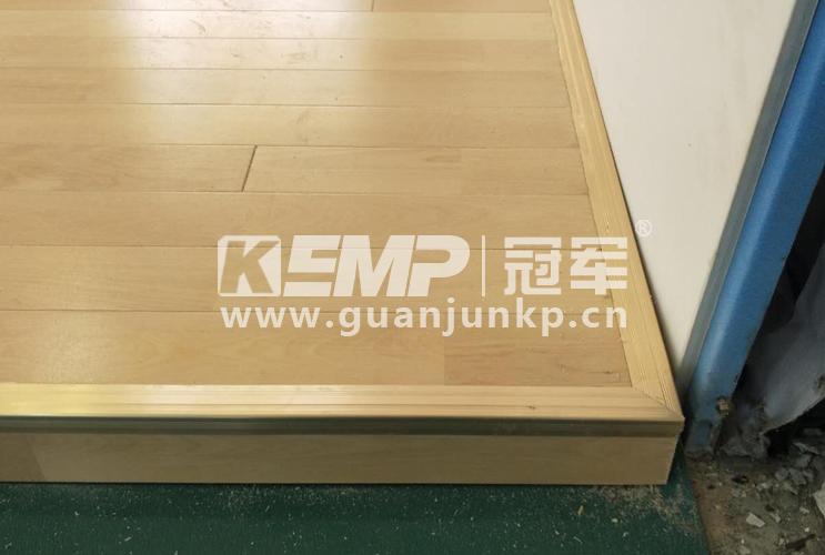 冠军运动木地板