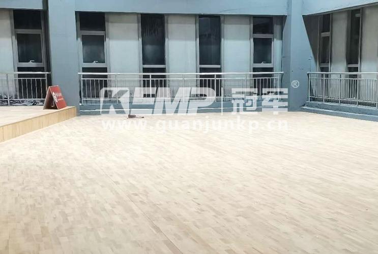 天津梅江中心大厦室内羽毛球馆