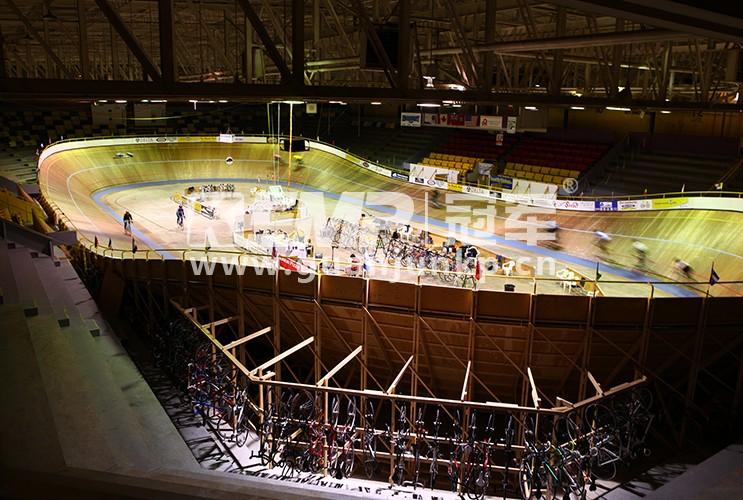 木质赛道自行车馆